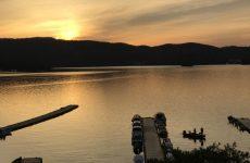 春の桧原湖の夕陽(3)