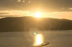 春の桧原湖の夕陽(5)